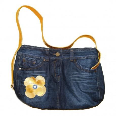 Дизайнерская джинсовая женская сумочка - Цветок