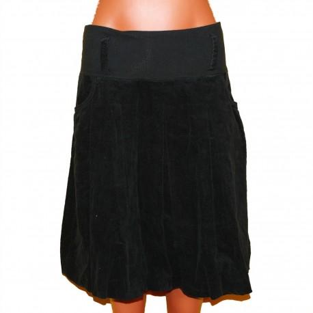 Хорошенькая вельветовая юбочка с мягким поясом