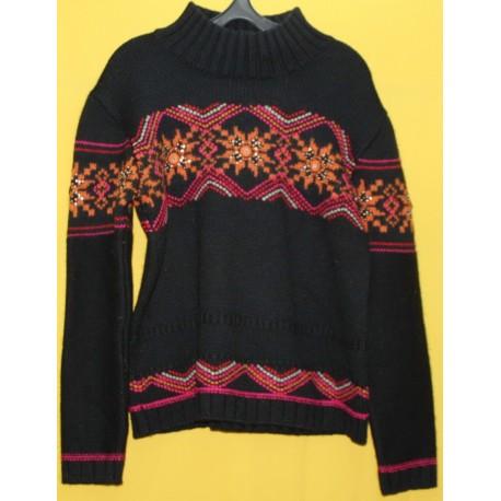 Теплый красивый свитер с ручной вышивкой р.48