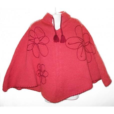 Дизайнерское вязаное детское пончо с вышивкой