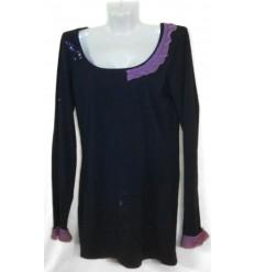 Дизайнерское платье-футболка с отделкой и вышивкой