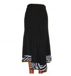 черная юбка с оригинальными вытачками и отделкой