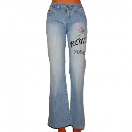 Светлые джинсы с вышивкой