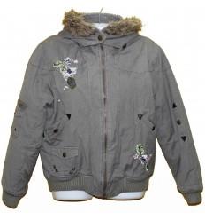 Теплая красивая куртка с вышивкой р.52